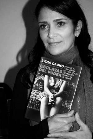 Lydia-Cacho_by_Mari_Resendiz-480x719